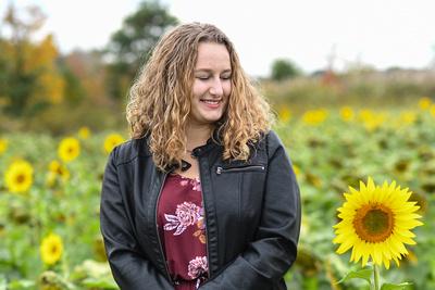 2018 SENIOR Amanda Kile-Sunflower-9